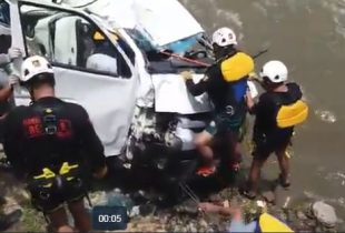 CHUMBIVILCAS:Al menos cuatro muertos y 10 desaparecidos tras caída de miniván a río en Velille