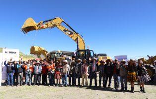 CHUMBIVLCAS:Hudbay Perú y la Municipalidad de Chamaca cumplen con la entrega de tractores y maquinaria pesada para las comunidades