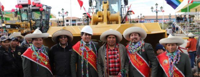 LIVITACA:hudbay Perú y la Municipalidad de Livitaca entregan tractores agrícolas y maquinaria  para infraestructura vial en el distrito.